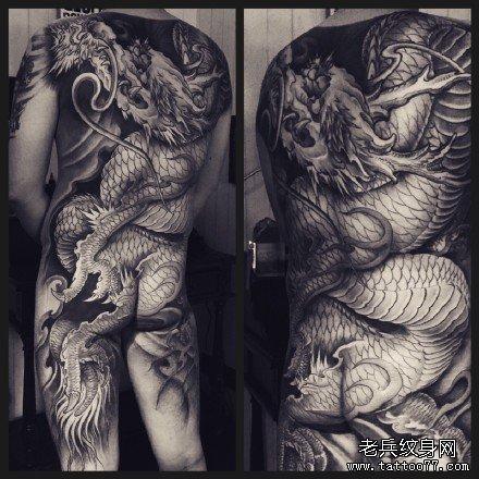 满背霸气龙纹身图案