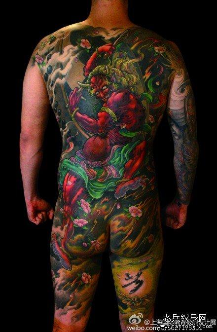 满背火骷髅纹身图案