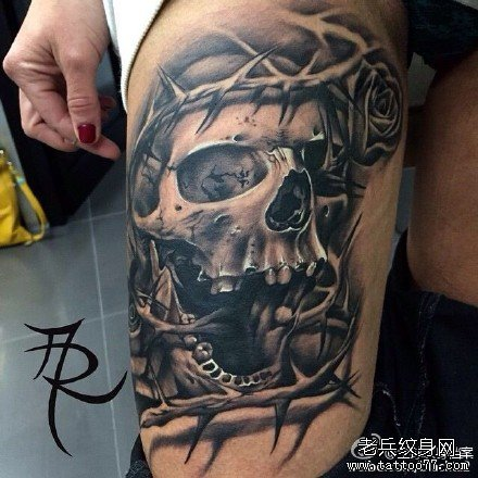 腿部骷髅纹身图案