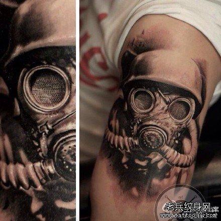 胳膊生化面具纹身图案