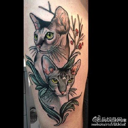 腿部双猫纹身图案