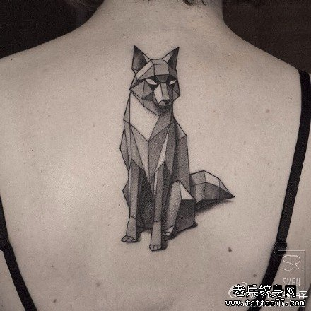 后背鹿头纹身图案