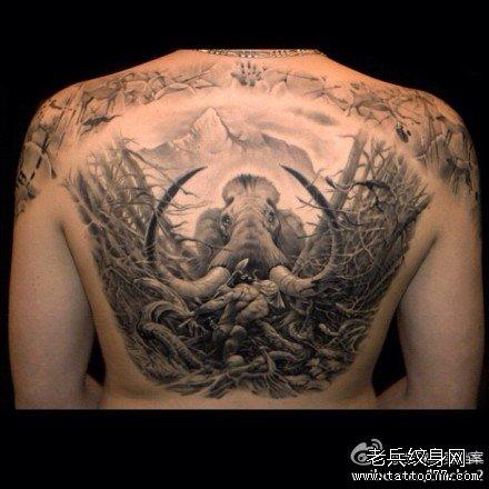 满背猛犸象纹身图案