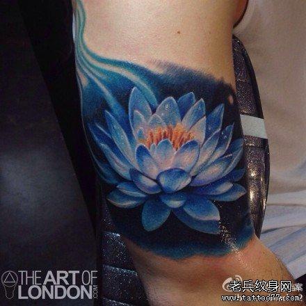 康之园 小腿部莲花纹身图案含义 > 胳膊莲花纹身图案  胳膊莲花纹身