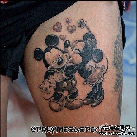 简单可爱的米奇纹身图案