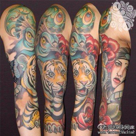 手臂彩绘大老虎纹身图案