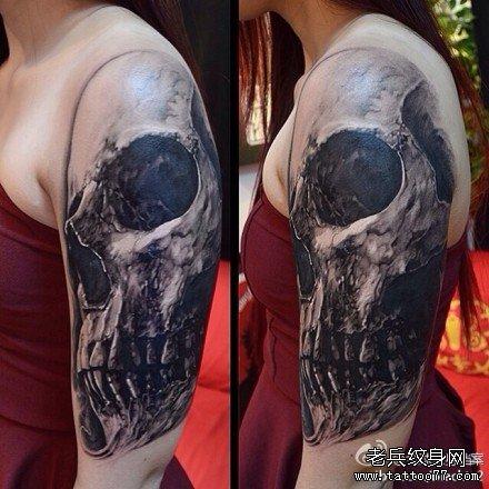 胳膊骷髅纹身图案