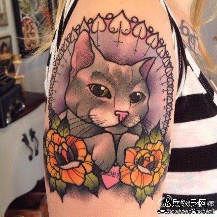 手臂彩色个性猫咪纹身图案