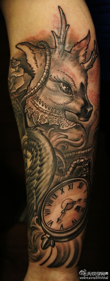 手部小孩肖像纹身图案
