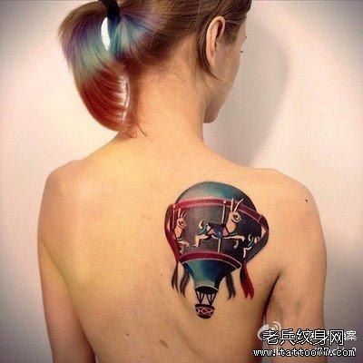 后背热气球纹身图案