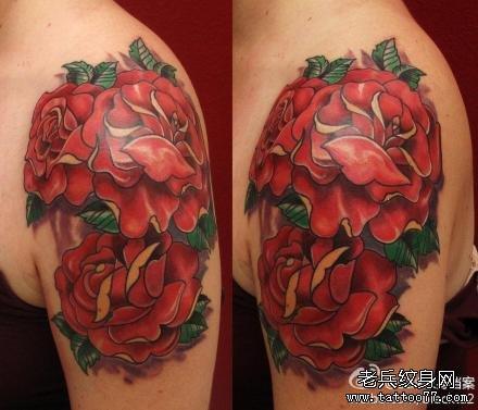 肩膀时钟玫瑰花纹身图案作品