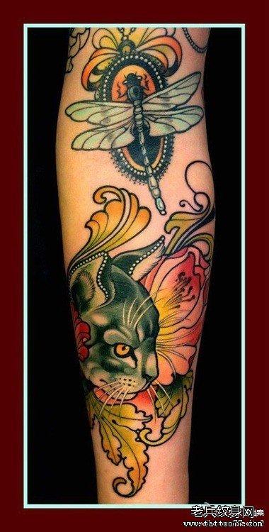 手臂点状兔子猫咪纹身图案