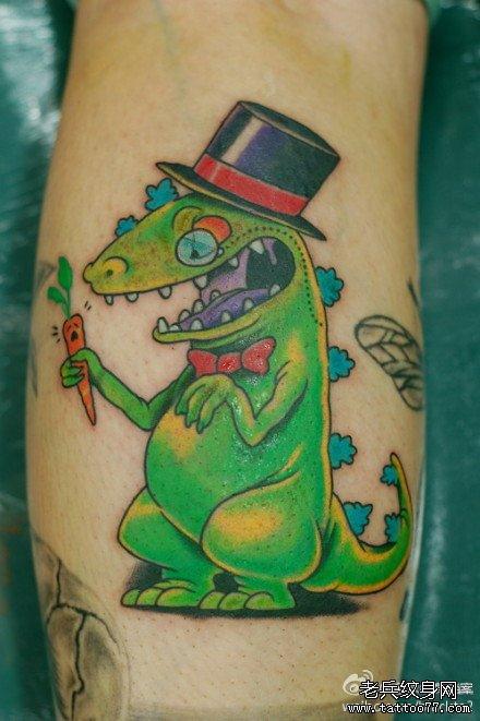 手稿线条恐龙纹身图案