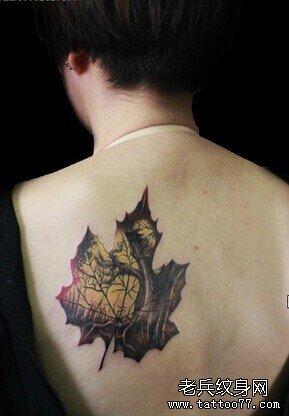 枫叶纹身图案憧憬爱情美好