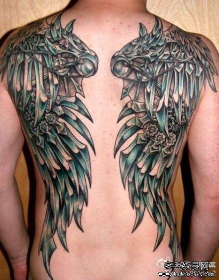 机器 翅膀纹身 图案