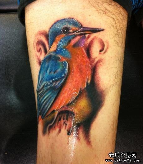 翠鸟 纹身的意义,象征着美丽,尊严和速度.