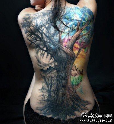后背黑树纹身图案