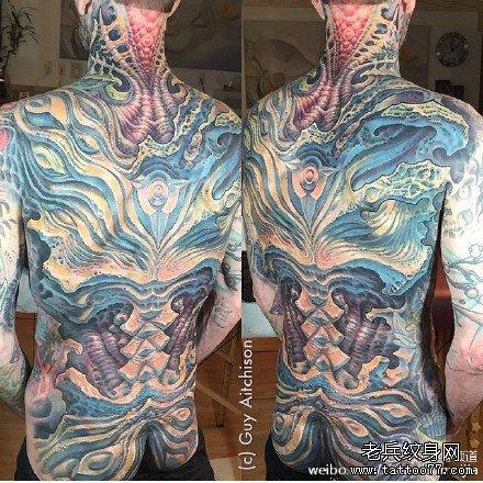 满背生化纹身图案