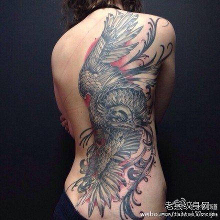 后背鹰龙纹身图案