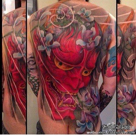 满背红般若纹身图案