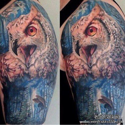 胳膊鹰纹身图案