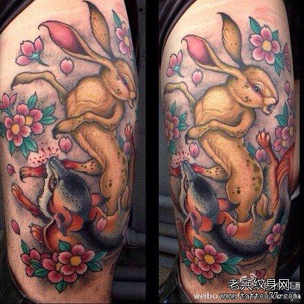 胳膊兔子战狐狸纹身图案