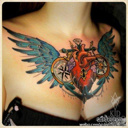 胸部牡丹花纹身图案