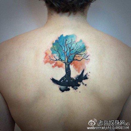 男生后脖子经典很酷的唐狮子纹身图案