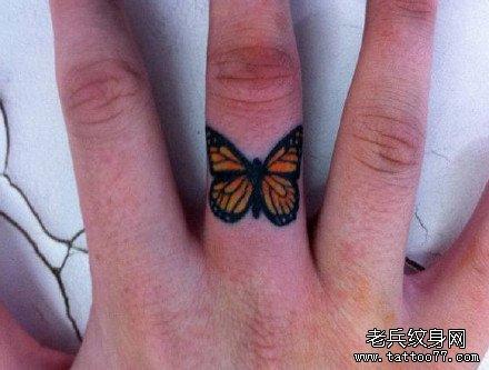 标签:小清新纹身手指纹身小图案
