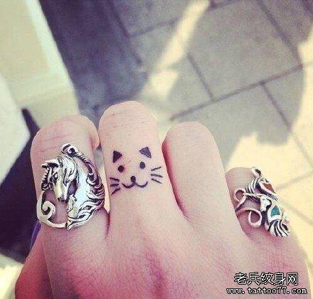 手指小乌龟纹身图案分享展示