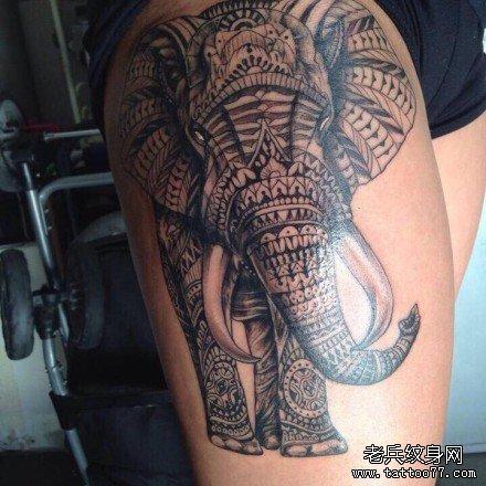 腿部大象图腾纹身图案