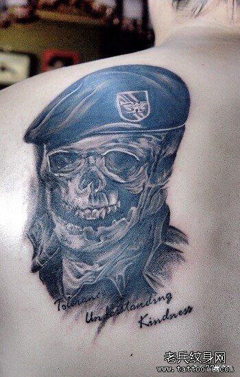 后背骷髅纹身图案