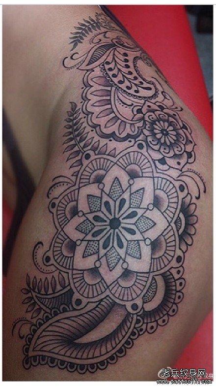 手臂太阳莲花纹身图案