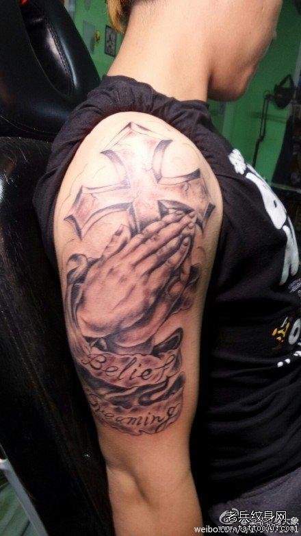 胳膊佛手纹身图案