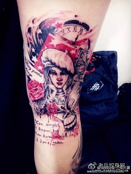 腿部玫瑰女纹身图案