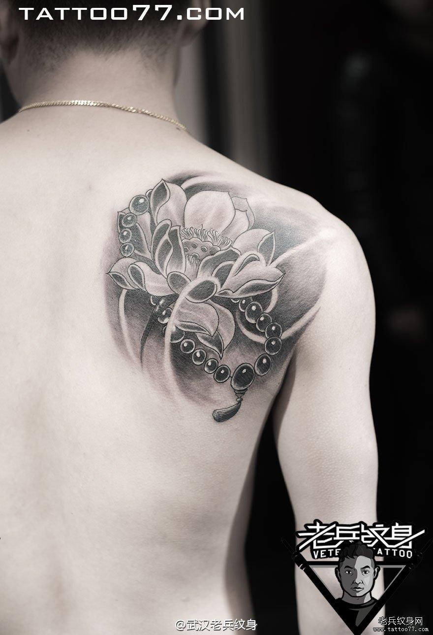 纹身图案 佛珠莲花纹身 > 哈尔滨纹身,遮盖纹身,荷花  哈尔滨纹身