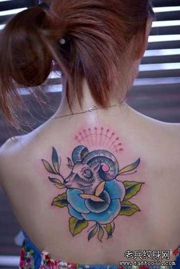 后背女生白羊座纹身图案