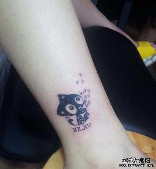 腿部魔羊纹身图案图片