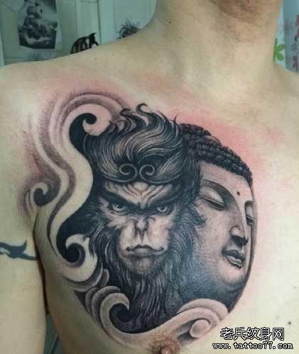 胸部孙悟空与如来纹身图案