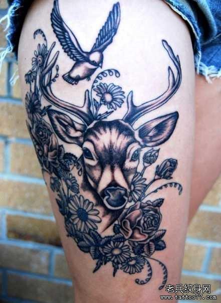 腿部羊纹身图案