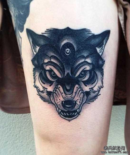 腿部三眼狼纹身图案图片
