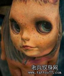 个性的3D娃娃脸纹身图案