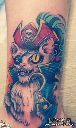 腿部海盗猫船长纹身图案