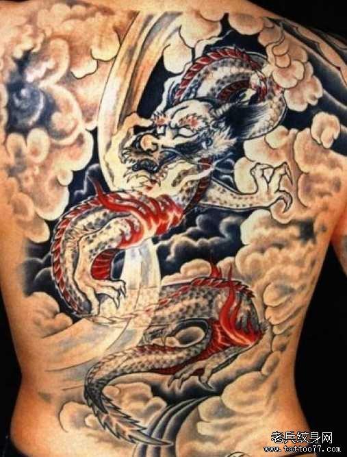 胳膊黑龙纹身图案 (507x667)