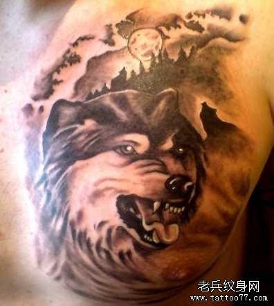 胸部水浪狼纹身图案