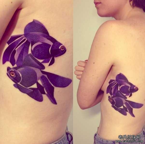 鱼胸部纹身图案