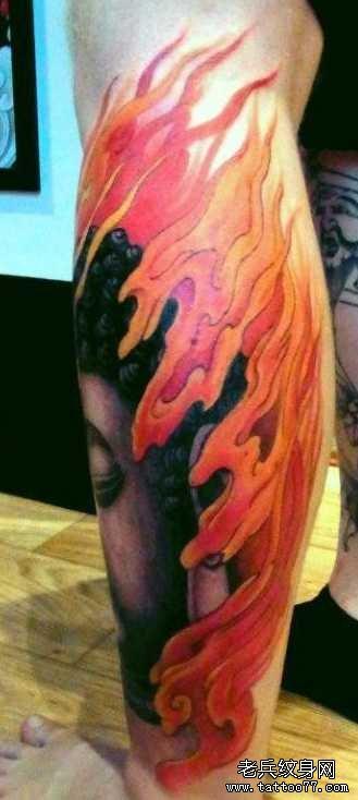 腿部火佛纹身图案