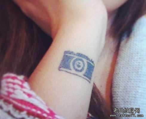手臂萌猫纹身图案图片