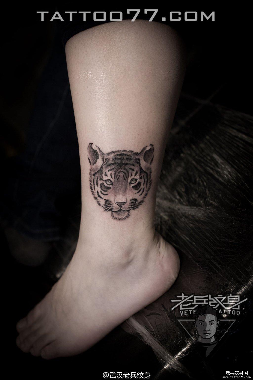 手臂老虎刺青图案作品
