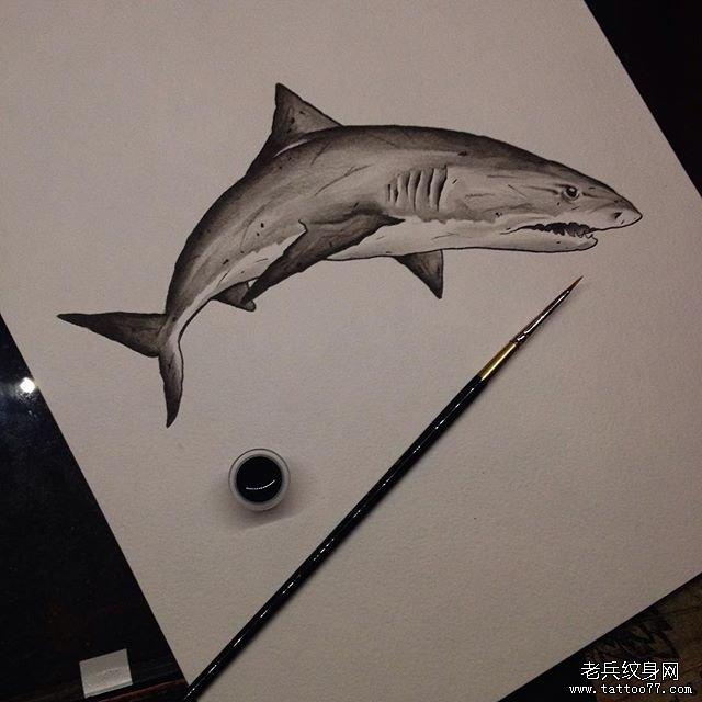 黑灰鲨鱼纹身图案